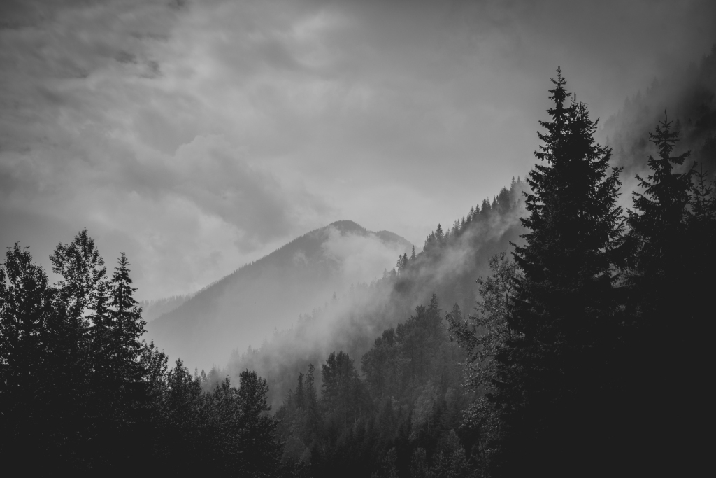 glacier_national_park_mountains_black_and_white