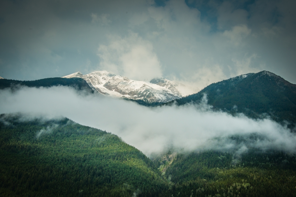 glacier_national_park_mountains_fog_02