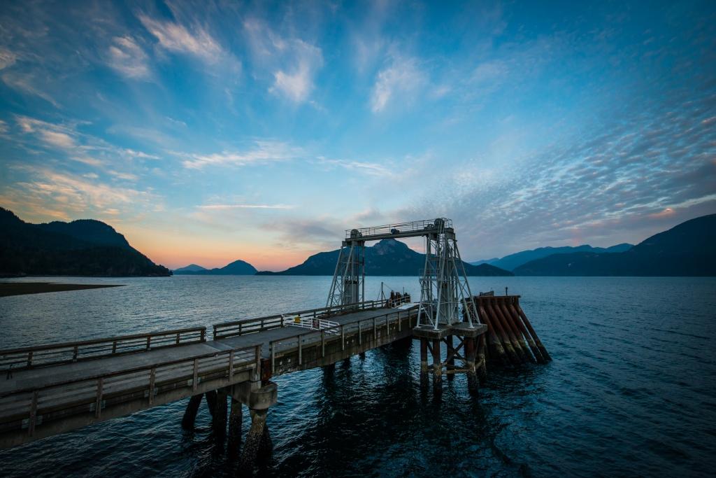 porteau-cove-bc-canada-mountains-water-sunrise-03