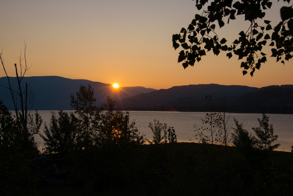 sunrise_kamloops_lake_bc_canada