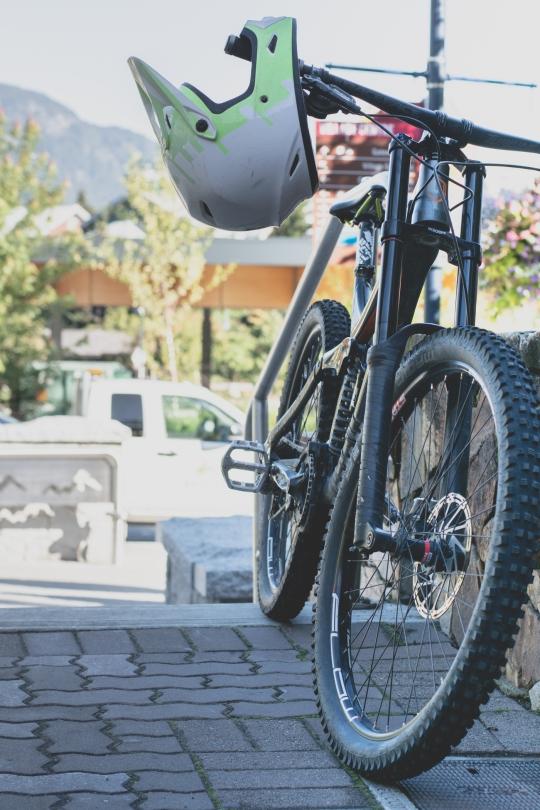 whistler-bc-mountain-bike-helmet
