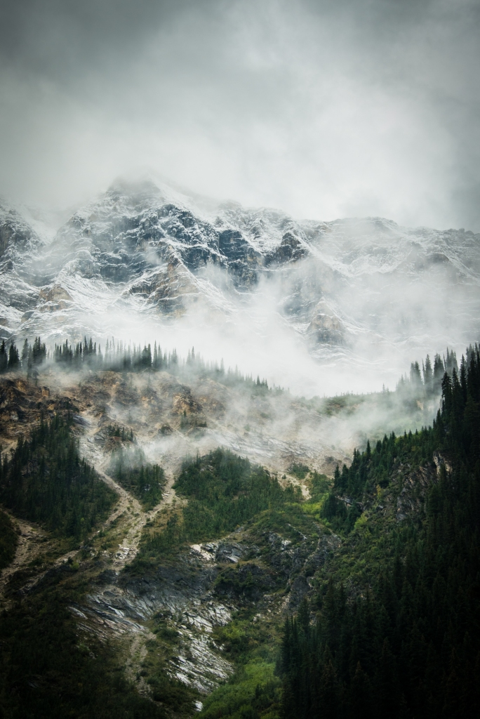 yoho_national_park_fog_mountains_03
