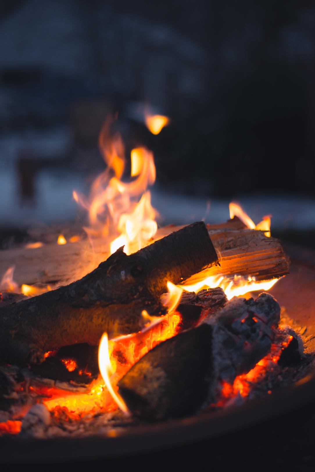 make-apple-cider-new-england-campfire-winter-5400